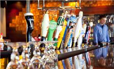Bennigan's - Beer on tap